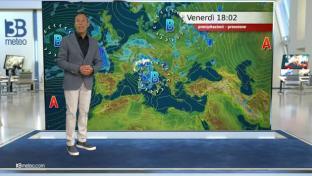 Peggiora con piogge e rovesci al Nord e sul Centro, entro sera sul basso Tirreno...