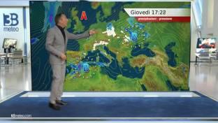 Spiccata variabilità, con piogge sparse su Nord, Appennino, Sicilia e Calabria...