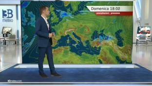Nubi irregolari lungo l'Adriatico, locali acquazzoni al Sud; Sole altrove...