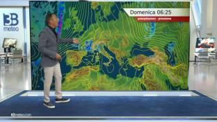 Peggiora da Nordovest con piogge e temporali in estensione a Triveneto e Toscana...