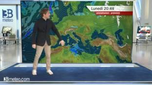 Lunedì in prevalenza soleggiato; disturbi tra Sicilia e Calabria con acquazzoni...