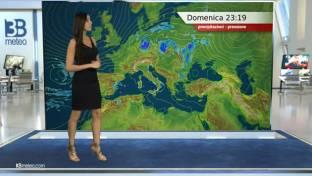 Variabile su Alpi, al Sud e medio Adriatico con qualche pioggia. Sole altrove...