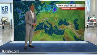 Anticiclone con sole e caldo; locale instabilità diurna su Appennino meridional...