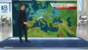 Sole prevalente su gran parte d'Italia ma nuovo peggioramento serale al Nord...