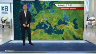 Bel tempo salvo acquazzoni pomeridiani su Dolomiti e Appennino; rialzo termico...