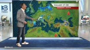Peggioramento con piogge diffuse su Nord e Toscana, sparse sul resto del Centro...