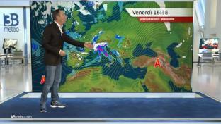 Maltempo al Nord e sulle regioni tirreniche, neve su Alpi e Appennino. Ventoso...