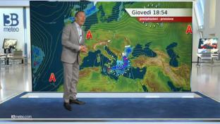 Soleggiato al Nord e Tirreniche; più instabilità al Sud con temporali in Sicil...