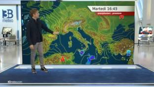 Sole e qualche nube in transito al Centro-Nord; ancora instabile nel Sud Italia...