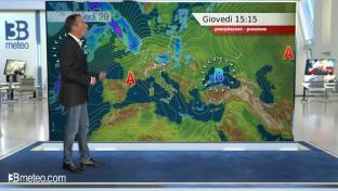 Diffuse velature del cielo, nubi basse e foschie dense tra Toscana e Umbria...