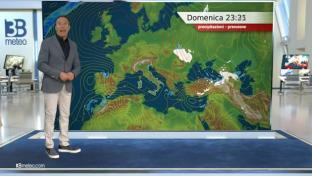 Addensamenti su Nordovest, Adriatiche e Sicilia; sole altrove. Massime in calo...