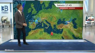Bel tempo ma con nubi alte in aumento; isolati piovaschi su Liguria e Ovest Alpi...