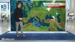 Piogge anche forti tra Sicilia e bassa Calabria, perlopiù assolato altrove...