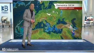 Piogge e temporali sul medio Adriatico, Isole e al Sud; ampie schiarite al Nord...