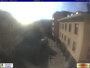 Zogno (320 m s.l.m.) - Piazza Italia - Palazzo del Comune