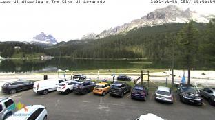 Vista sul lago e le Tre Cime di Lavaredo
